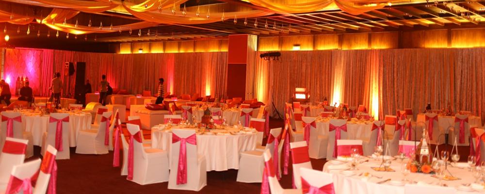 Weddings in sri lanka tailor made weddings by sri lanka tailor made indoor wedding with jetwing blue negombo junglespirit Gallery